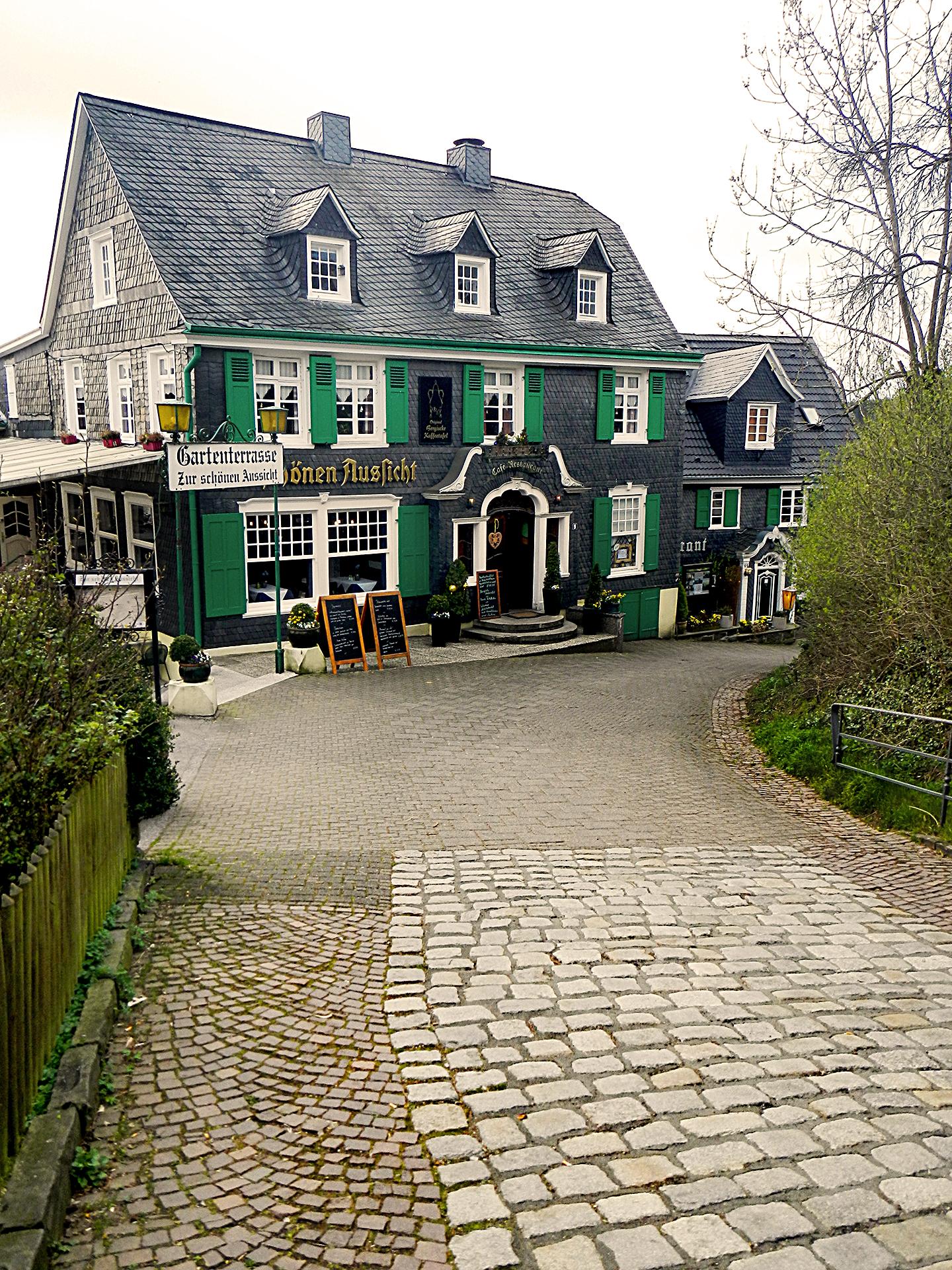 Schloss Burg Cafe